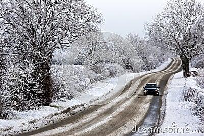 Driving in Winter snow - United Kingdom