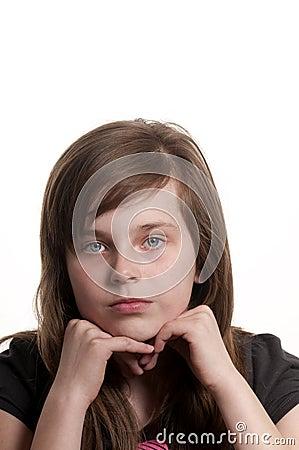 Droevig jong meisje