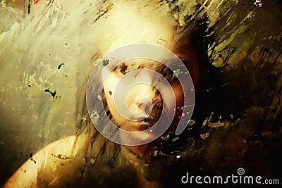 Droevig meisje achter vuil glas