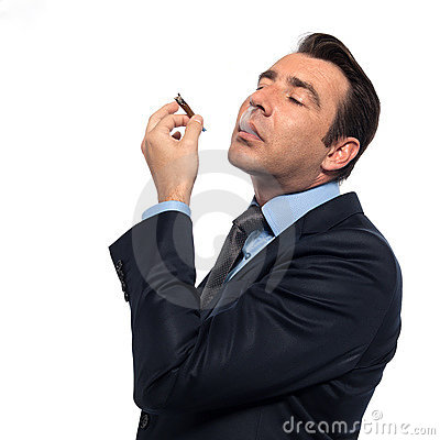 Drogas de fumo do homem