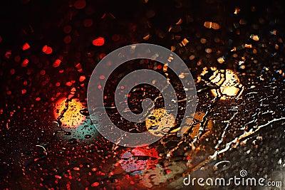 Drops rain