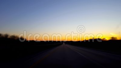 *Drunk Motion Blur Intoxicated Version* Driving Rural Countryside Highway during Sunrise Besturingspunt voor aanzicht POV stock footage