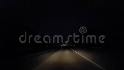 *Drunk Motion Blur Intoxicated Version* Driving Rural Street Tijdens de avond Driver Point of View POV Country Road stock videobeelden