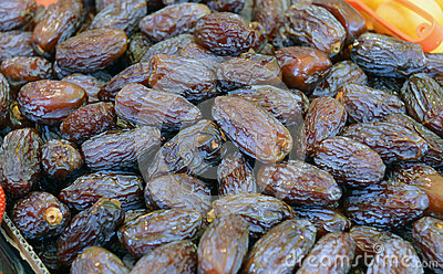 Dry dates in the box