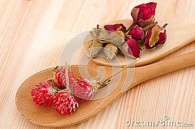 Dry floral herbal tea
