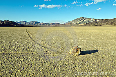 Dry lake feature with sailing stones