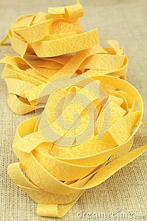 Dry pasta nests