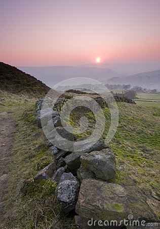 Free Dry Stone Wall In Yorkshire Landscape Stock Photography - 32828392