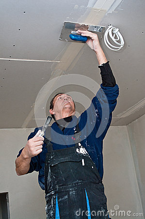 Free Dry Waller Making Ceiling Stock Photo - 36762720