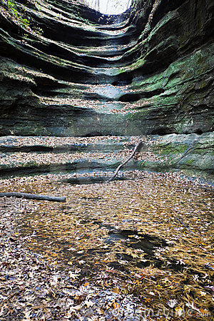 Dry Waterfall in Starved Rock State Park