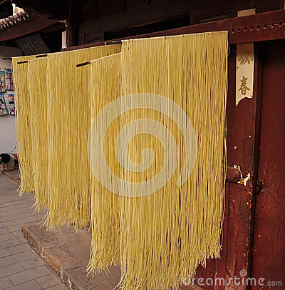Drying noodles, chinese market