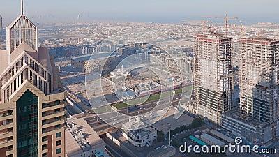 Dubai in centro durante il dorato tramonto della scena mattutina timelapse archivi video