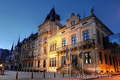 Ducal storslagen luxembourg för stad slott