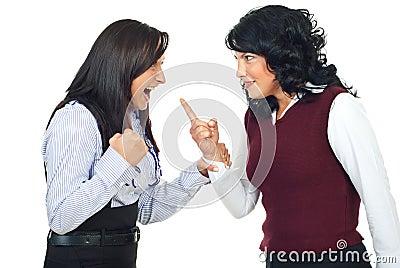 Due donne che hanno conflitto