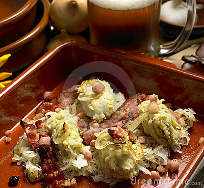 Dumplings with cabbage