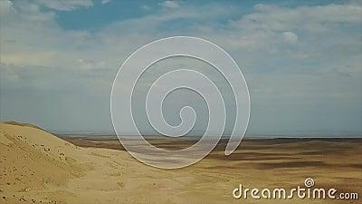 Dunas de areia no deserto de Gobi Tiro regional de Dron filme