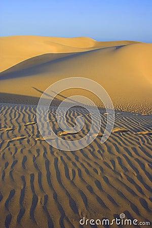 Dunes shadow1
