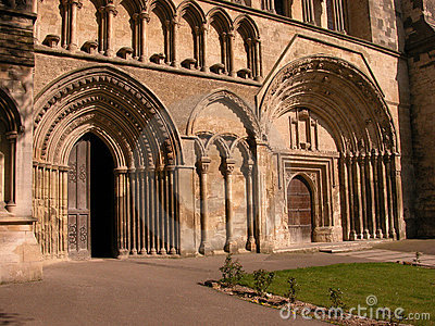 Dunstable Priory Doors
