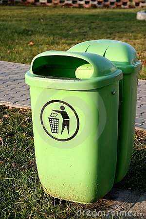 Free Dustbin Royalty Free Stock Photography - 1780757