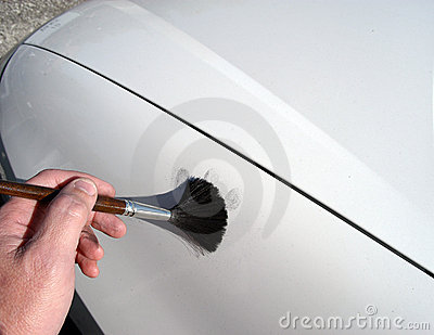 DUSTING FOR FINGERPRINTS. (click image to zoom)