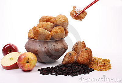 Dutch donuts, called oliebollen