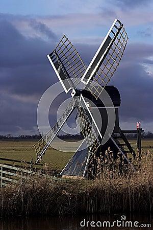 Free Dutch Windmill Stock Photography - 8142852