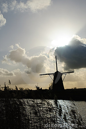 Free Dutch Windmills Royalty Free Stock Images - 7560799