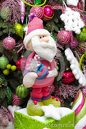 Dwarf under the tree