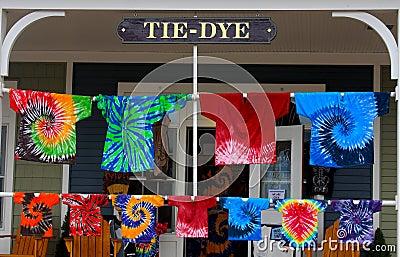 Dye shirts tie