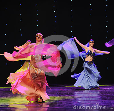 Free Dynamic Scarf-Turkey Belly Dance-the Austria S World Dance Royalty Free Stock Images - 49073949