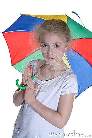 Dzieciak z parasolem