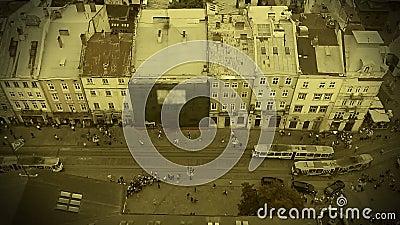 Dziejowy past antyczny miasto, wszczynać pierwszy tramwaje w Lviv, Ukraina zbiory