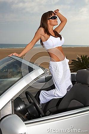 Dziewczyna samochodów