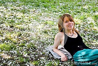 Dziewczyny ładny parkowy