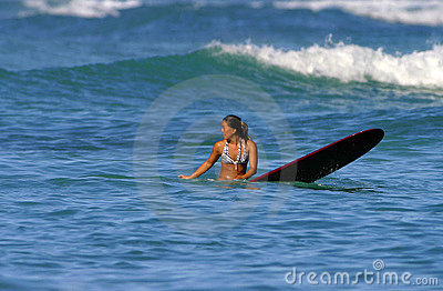 Dziewczyny jess shedlock surfingowiec Zdjęcie Stock Editorial