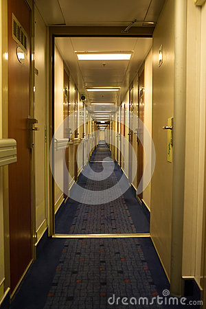 Dzwi otwarty na promu Stena duchu. Fotografia Editorial