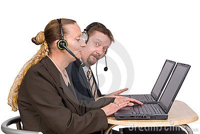 E-commerce agents on laptop