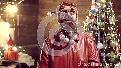 E E Santa Claus - hippie barbue D?corations de No?l ?motions de cadeau d?nommer banque de vidéos
