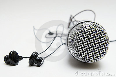Earbuds and microphone