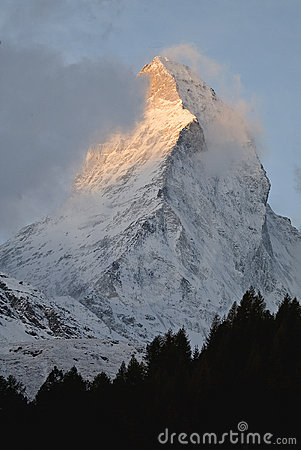 Free Early Light On The Matterhorn Royalty Free Stock Images - 58389