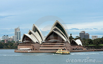 Early morning ferry past Sydney Opera House Editorial Image