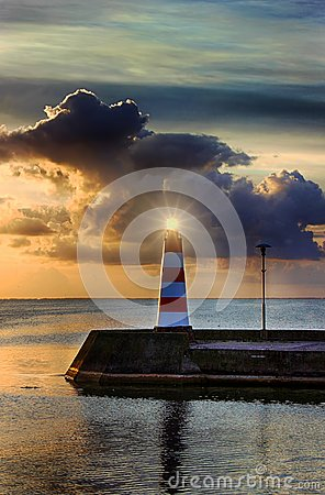 Free Early Morning On The Waterfront Stock Photography - 104783552