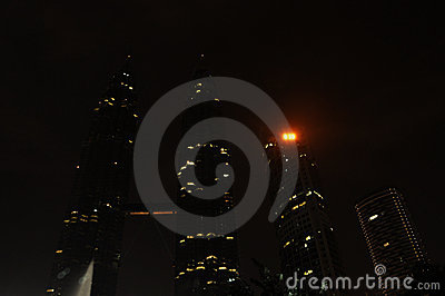 Earth Hour – Light Off at Petronas Twin Tower
