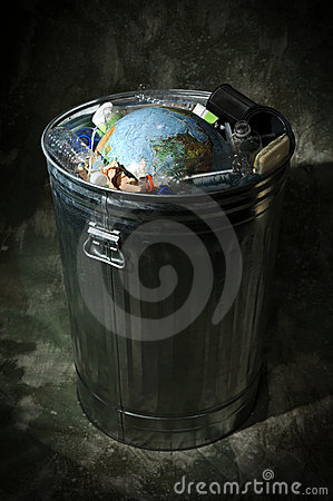 Free Earth In Trash Can Stock Images - 4622004