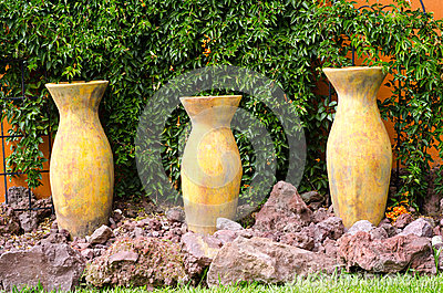 Earthenware pottery vases