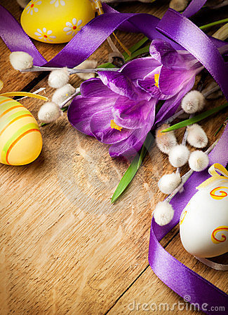 Easter background with flowers and Easter eggs