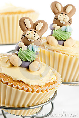 easter bunny cake pattern. easter bunny cake.
