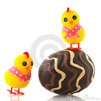 Easter chicks with egg