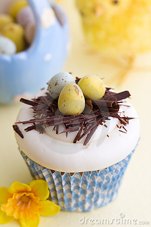 Free Easter Cupcake Royalty Free Stock Images - 13331479