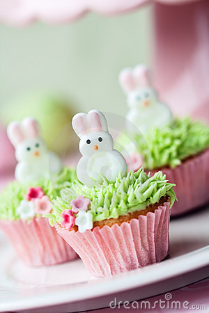 Free Easter Cupcakes Royalty Free Stock Photography - 18790937